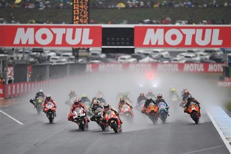 motogp  championship standings  japanese gp  checkered flag
