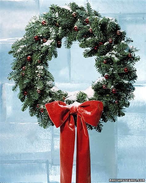 how to make wreaths how to make a wreath martha stewart