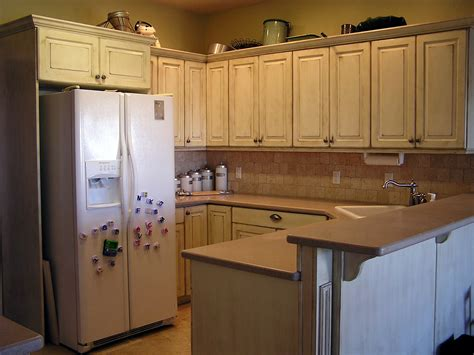 Painting Kitchen Cabinets Distressed White Best Distressed White Kitchen Cabinets Ideas All Home Design Ideas