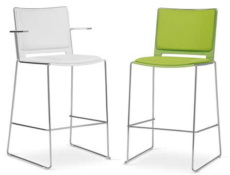 sedute per sgabelli sedute collettivit 224 vendita sedie impilabili per