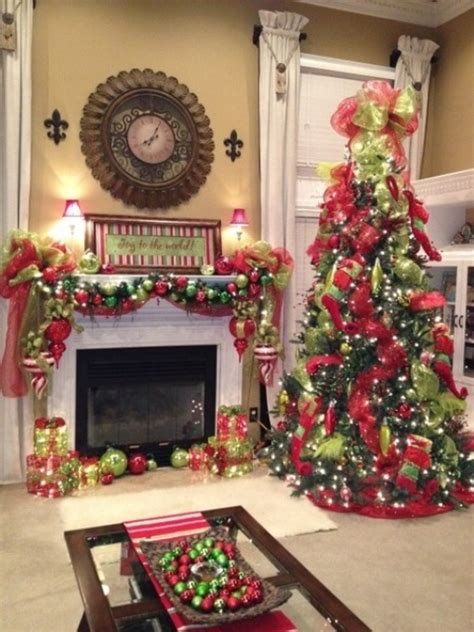 Christmas Decorations In Home by 35 Christmas D 233 Cor Ideas In Traditional Red And Green