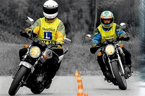 Motorrad Führerschein 125 Ccm by Klasse A1 125ccm Motorrad Offlineshop Fahrschule