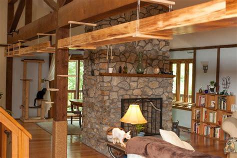 giochi per arredare la casa arredare con il legno una casa a misura di gatti