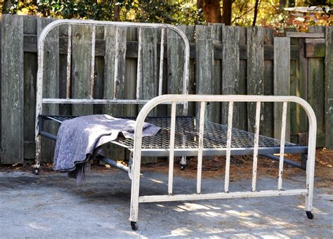 Painted Metal Bed Frame Chippy Bed Frame Shabby Chic Chippy Paint Metal Bed