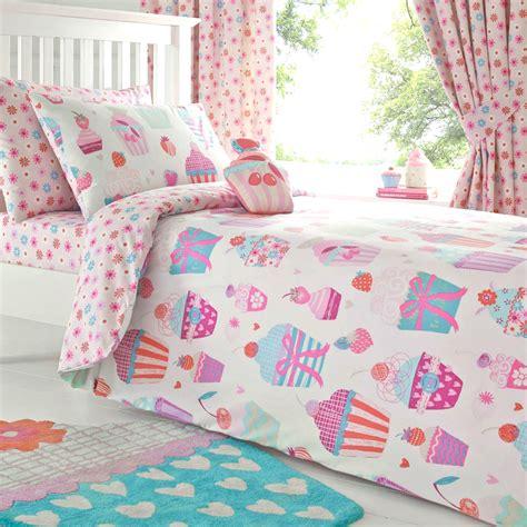 cupcake bedding blanketstitch july 2015