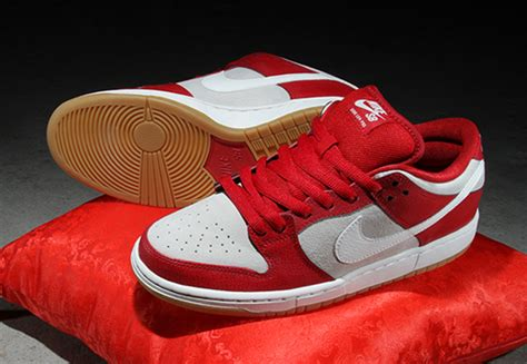 lebron valentines shoes nike sb dunk low quot s day 2015 quot sneakernews