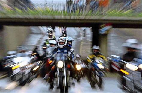 Motorrad Stunt Show Stuttgart by Stuntshows In Stuttgart Die Messe Motorrad Live Hat