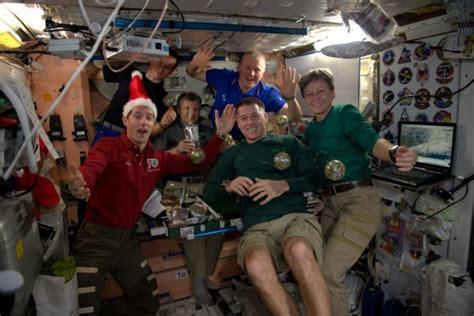 christmas  space    iss astronauts   celebrating  holiday season