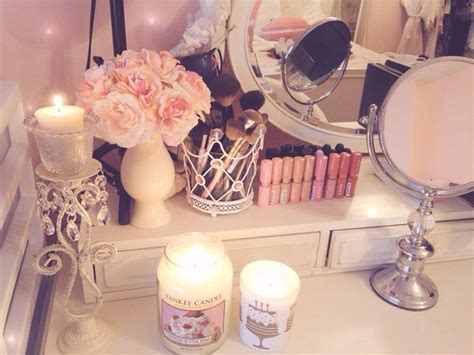 makeup vanity inspo   yummy smelling candles