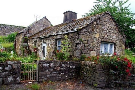 this rundown cottage looks unrecognisable cottages cottage going to run away and