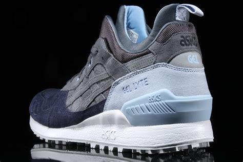 Sepatu Sneakers Asics Gell Lyte Iii Mt Navy Sol Gum For asics gel lyte mt carbon navy light blue sneaker bar detroit