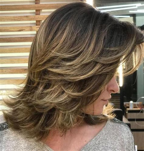 haircut feathered on sides long crown 80 sensational medium length haircuts for thick hair in 2018