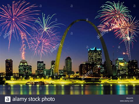 st louis mo fireworks beautiful fireworks fill the time sky of st louis