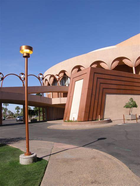 frank lloyd wright in arizona bilture hotel taliesin