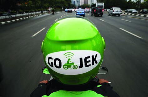 design jaket go jek inside a green jacket the go jek driver app journey