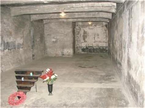 chambres a gaz chambre 224 gaz photo de pologne auschwitz livres libres