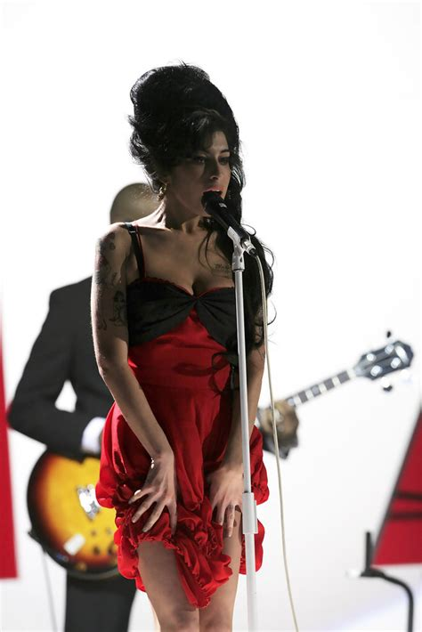 Winehouse Nabs A Brit Award by Winehouse In Rehearsals At The Brit Awards 2007 Zimbio