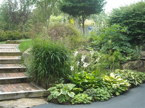 Landscaping Steep Hill Backyard by Landscape Ideas For Steep Backyard Hill Landscaping