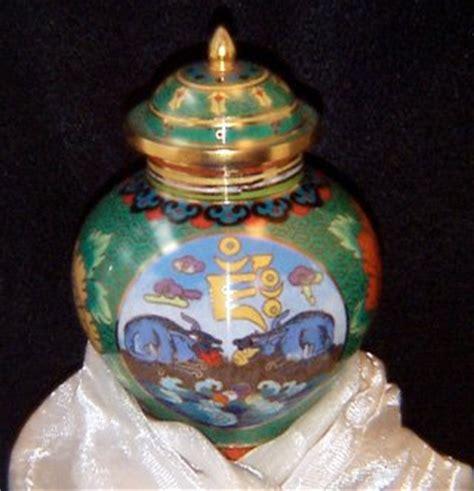 digital tibetan buddhist altar treasure vases