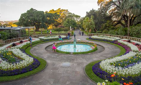 Superb Royal Botanic Gardens Sydney #1: 1280px-2015-09-13_Royal_Botanic_Gardens%2C_Sydney_-_1.jpg