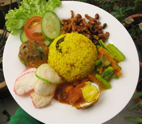 resep membuat nasi kuning dan lauknya resep membuat nasi kuning spesial reseponline info