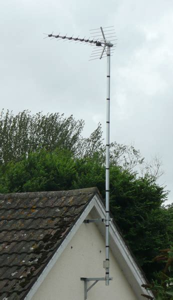 antenna install  ceramic terracotta tiled roof freeview uhf tv aerial installers