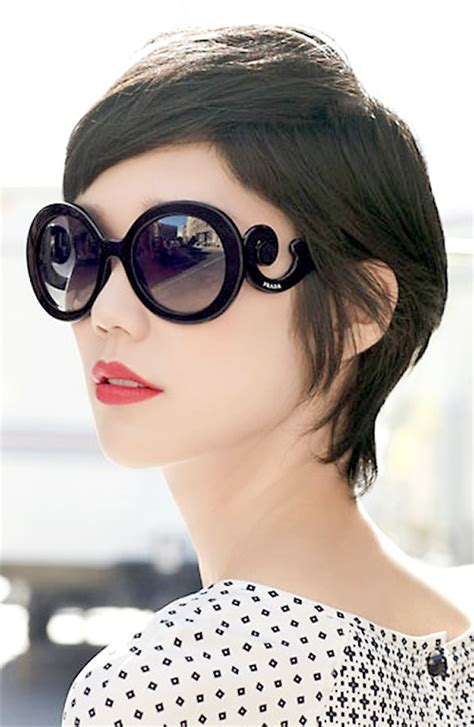 hairstyles for oval face with glasses pixie haircuts and glasses short pixie haircuts