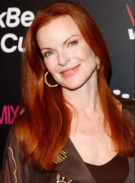 actresses with short red hair list a photo gallery of 20 famous redheads