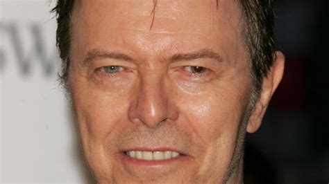david bowie eye color 20 with physical imperfections