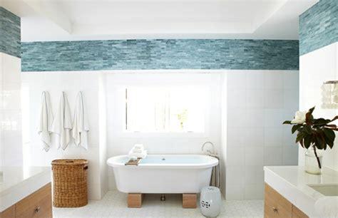 blaue badezimmerfliesen 32 badezimmerfliesen ideen als absolute hingucker