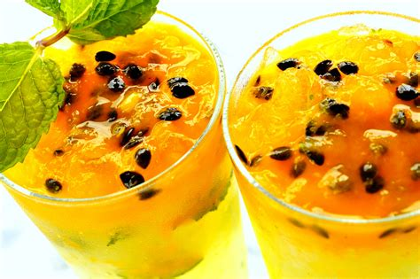 fruity drinks the best fruity alcoholic drinks bloglet