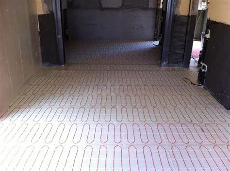 riscaldamento a pavimento elettrico pro e contro riscaldamento a pavimento come riscaldare casa