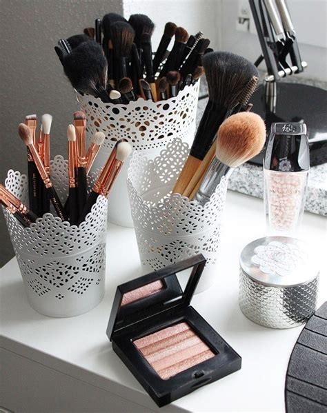 Vanity Table Organization Ideas by 25 Best Ideas About Makeup Storage On Makeup