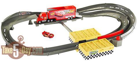 lighting mcqueen race track mattel disney pixar diecast cars mack track challenge