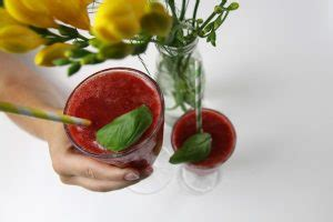 Zett Style erdbeer basilikum smoothie sommererfrischung zett