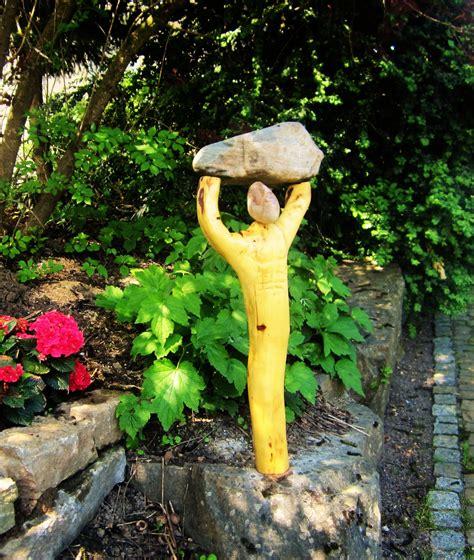 gartenskulpturen holz gartenskulpturen aus holz stein und metall udo 180 s