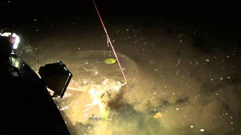 bowfishing boat mn nightime bowfishing mn carp youtube