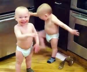 bebes hablando entre ellos of babies talking becomes sensation