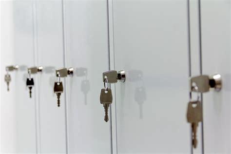 Armadietti Porta Scope by Armadi Spogliatoio E Portascope In Acciaio Inox Scaminox