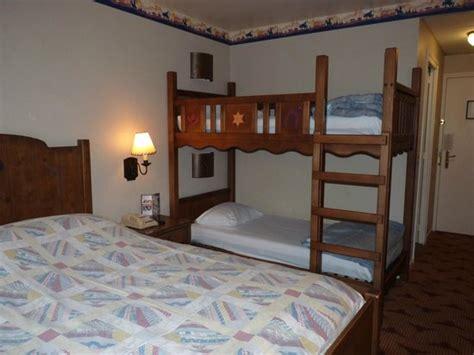 chambre hotel disney chambre picture of disney s hotel cheyenne marne la