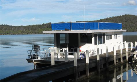 mallacoota wilderness houseboats east gippsland victoria - House Boat Hire Victoria