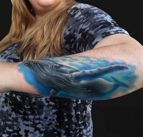 arm realistische wal tattoo von jamie lee parker