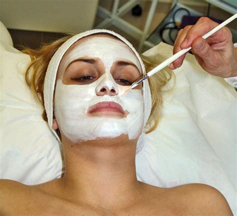 prepare your own anti acne mask at home