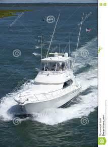 boat dealers near ocean city nj speeding sport fishing boat stock photo cartoondealer