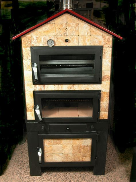 Indoor/Outdoor Wood Fire Oven: lafavoritafavors.com