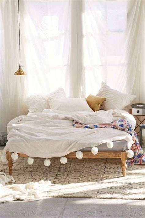bed without headboard 25 best ideas about no headboard bed on pinterest no