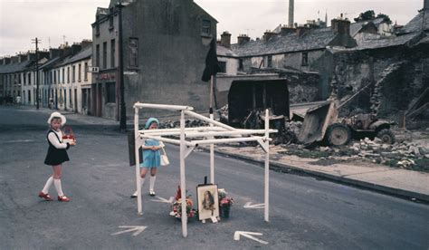 strange and familiar britain everyday britain through the eyes of international photographers