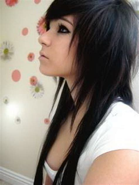 hay otros cortes de cabello de moda que combinados con rulos pueden corte de pelo emo