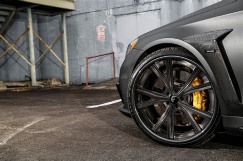 mercedes  amg   gold calipers  rich