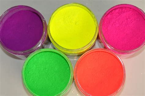 glow in the pigment powder uk fluorescent pigment fluorescent powder phosphorescent